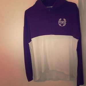 Long sleeve sweatshirt with zipper